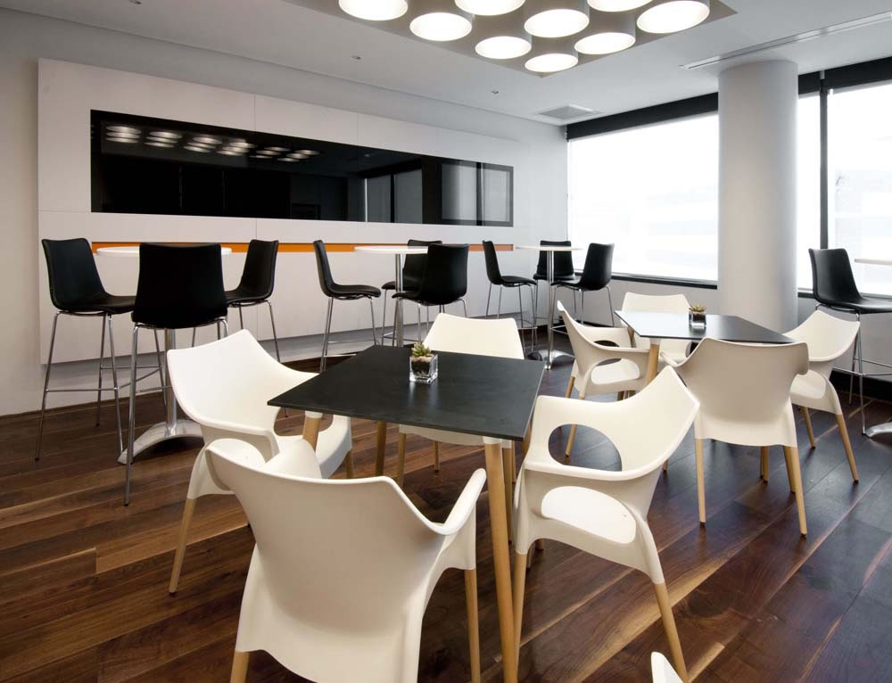 Krzesła Natural Ola Scab Design