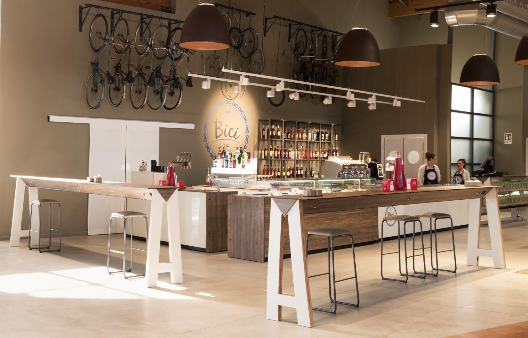 Wysoki stół barowy do restauracji LINK Metalmobil