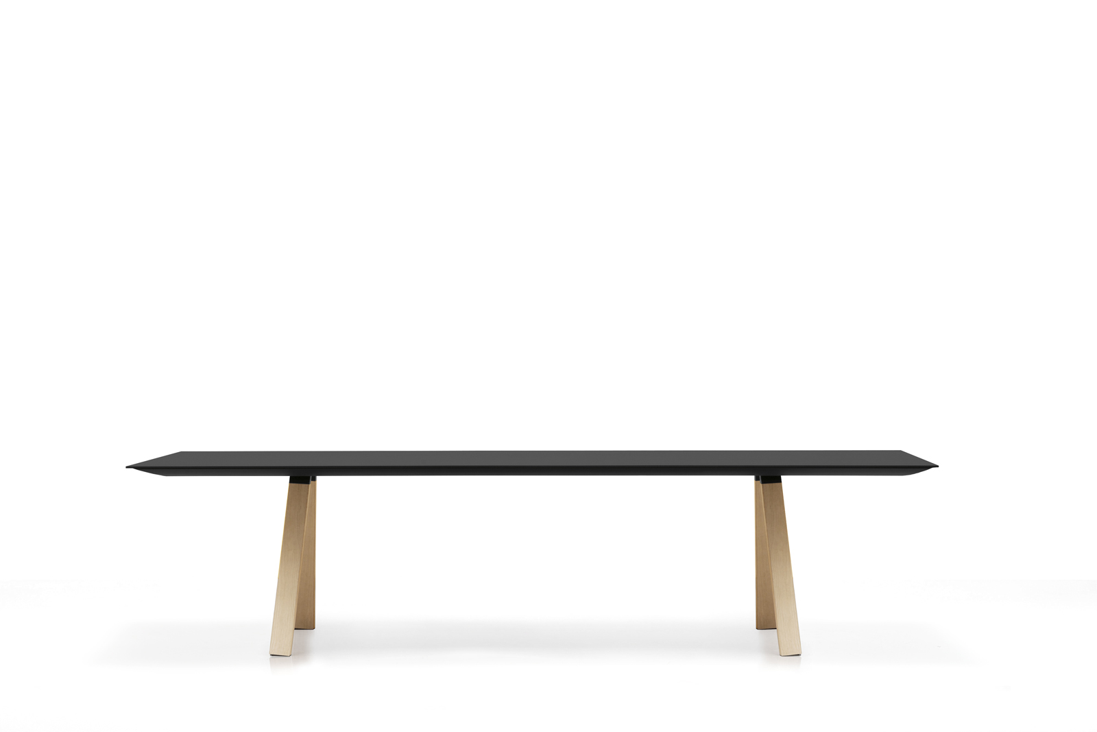 Designerski stół na drewnianych nogach Arki Table PEDRALI