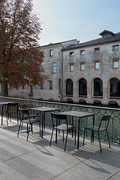 krzesło metalowe do restauracji C1 Colos