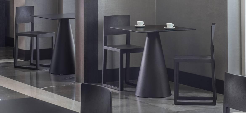 Designerska podstawa do stołu IKON PEDRALI