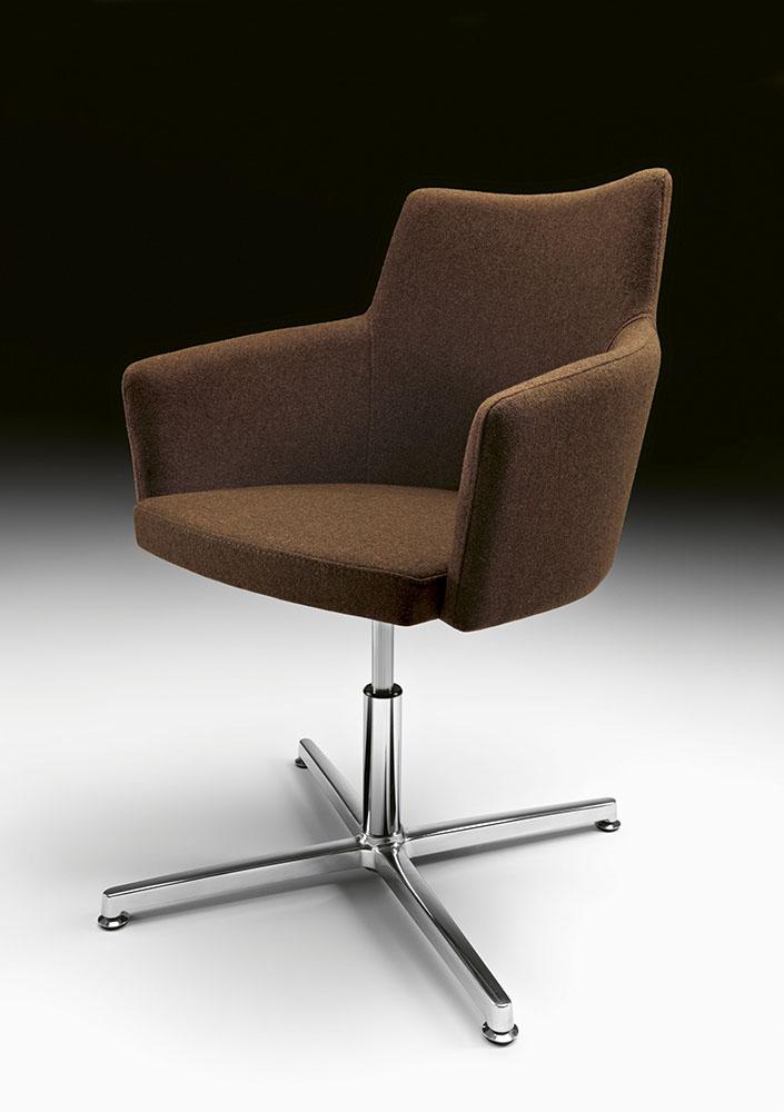 Fotel konferencyjny tapicerowany obrotowy Marka Metalmobil