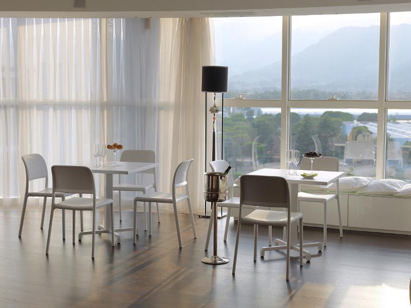 krzesło kontaktowe na taras hotelu Riva Bistrot Nardi
