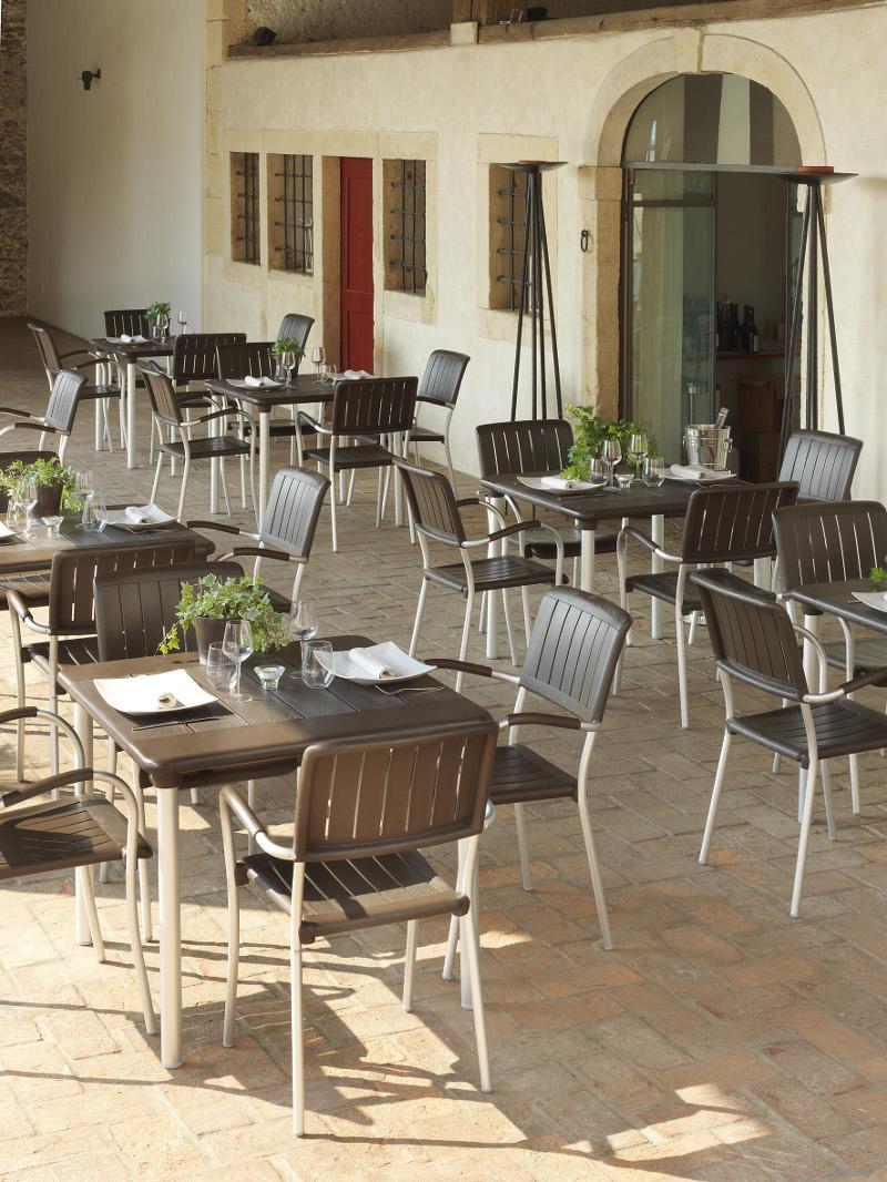 krzesła Musa Nardi do ogródków restauracyjnych