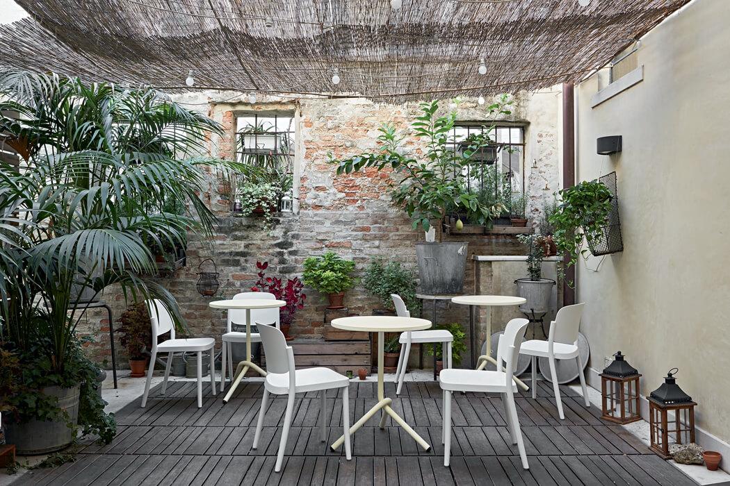 Włoskie krzesła kawiarniane PIAZZA COLOS