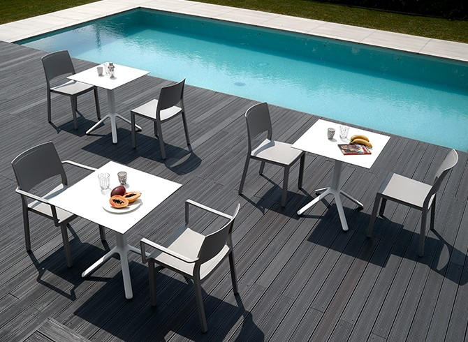 Stolik do ogródka restauracji NEMO Scab Design