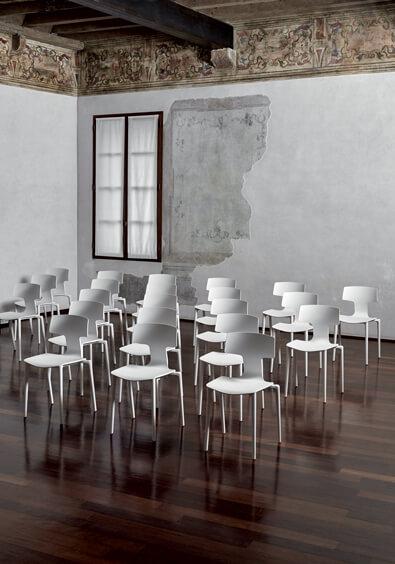 włoskie krzesła z tworzywa SPLIT COLOS
