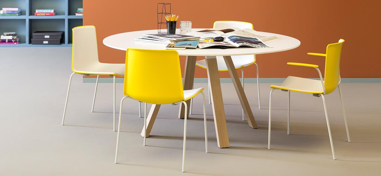 Industrialny stół Arki Table Pedrali okrągły