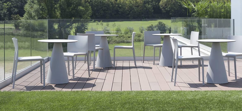 krzesła z tworzywa do ogródka restauracji VOLT Pedrali