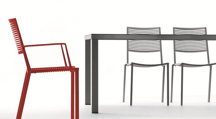 Krzesło Easy marki Fast na taras i o ogrodu