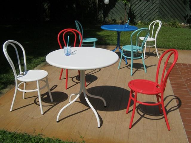 Włoskie krzesło metalowe do restauracji BISTRO