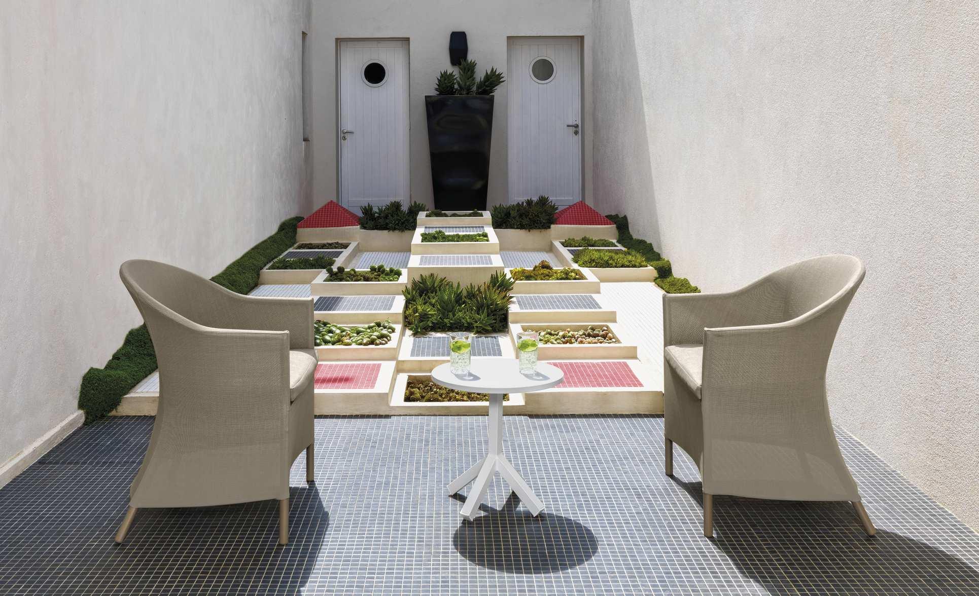 Fotel beżowy textilene na taras