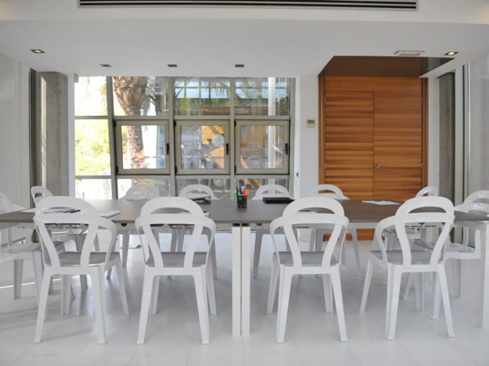 Krzesła Titi Scab Design