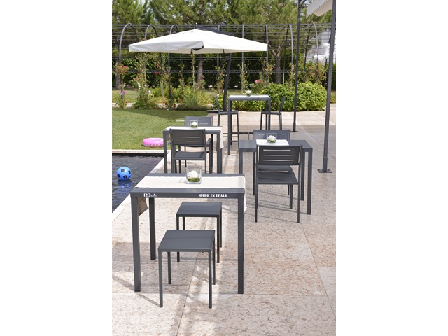 Włoski stół do ogródka kawiarni