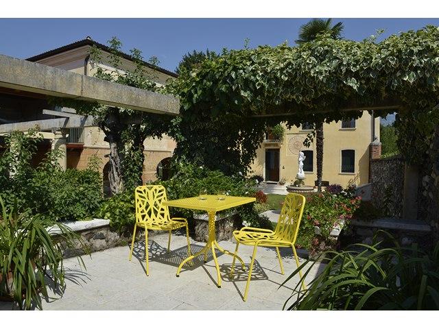 Krzesło ogrodowe Fancy do restauracji i kawiarni.