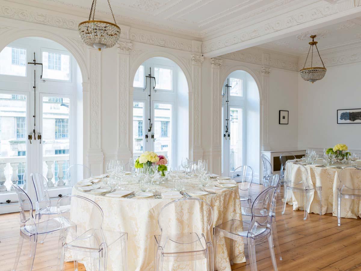 Włoskie krzesła do restauracji Scab Design
