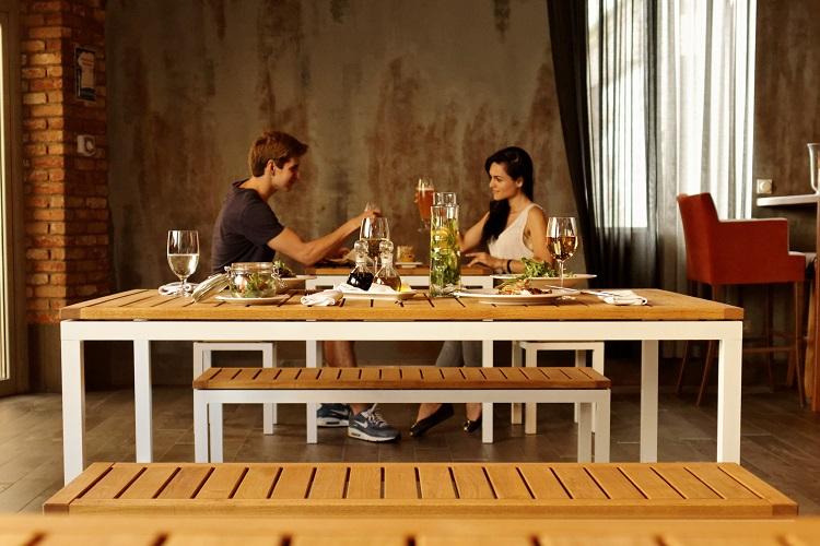 Duży stół do restauracji Giant 200