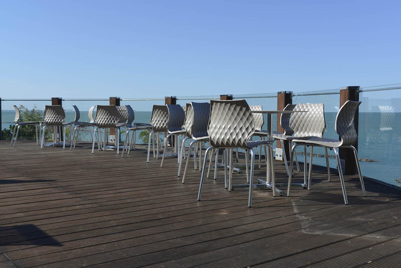 Krzesła metalmobil uni do kawiarni