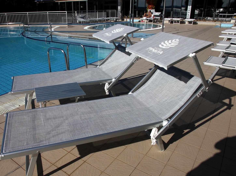 leżaki basenowe SMECA
