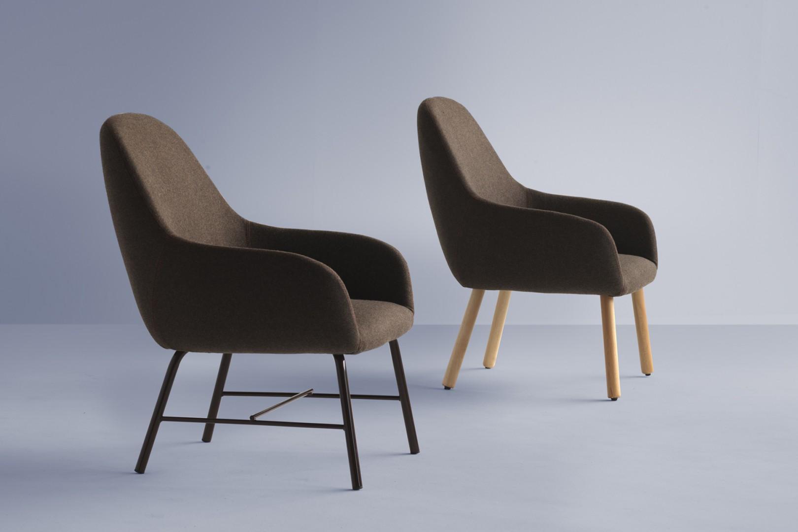 fotel tapicerowany Myra Metalmobil nogi drewniane