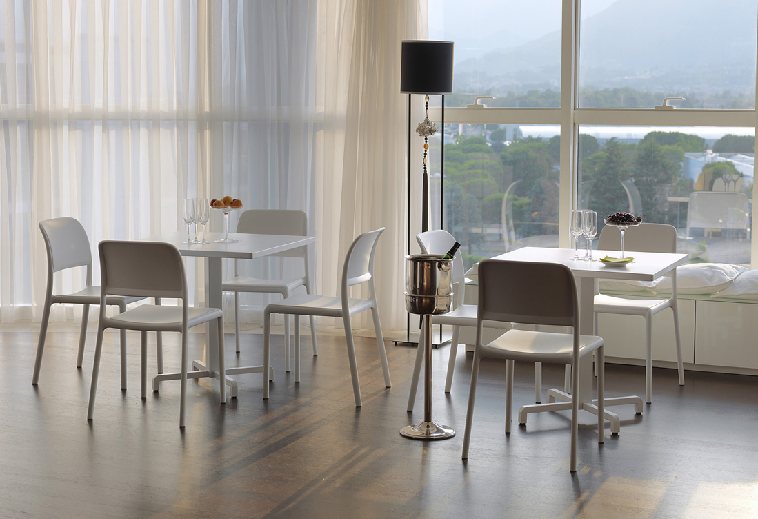 krzesło włoskie Riva Nardi z tworzywa