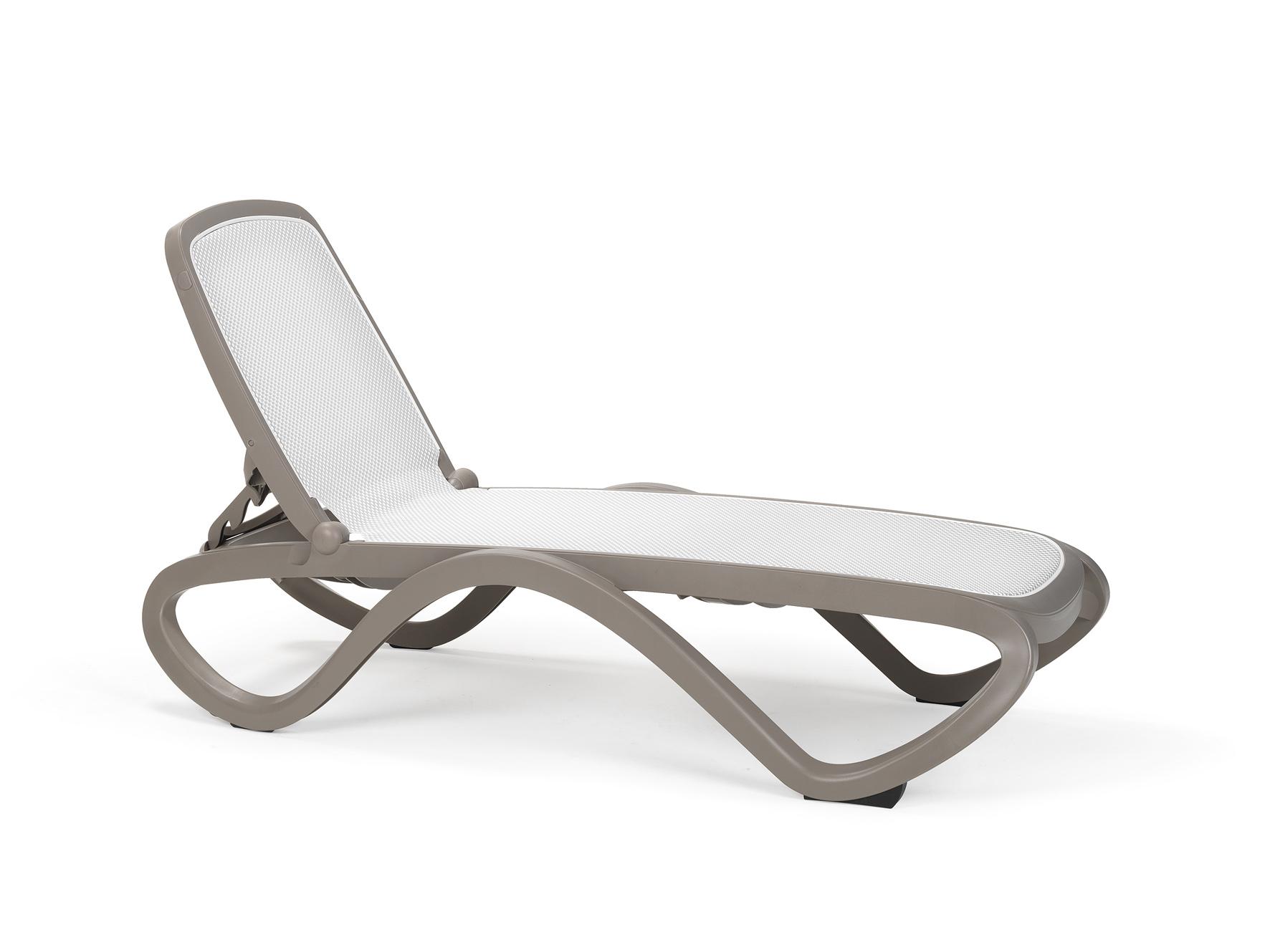 leżak basenowy Omega Nardi Trama