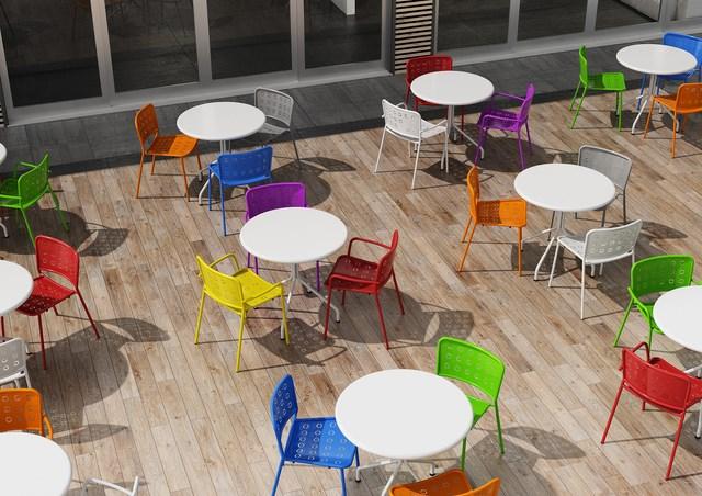 krzesła włoskie metalowe do ogrodu restauracji