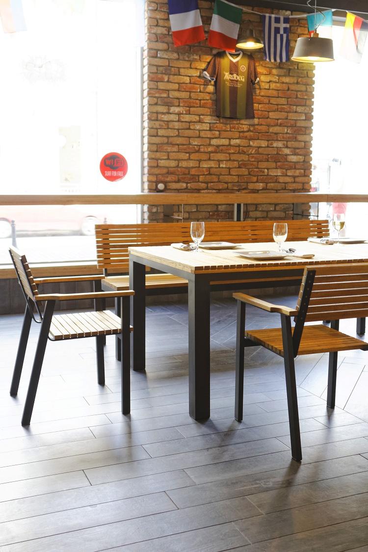 Ripper Rodno Polska stół restauracyjny