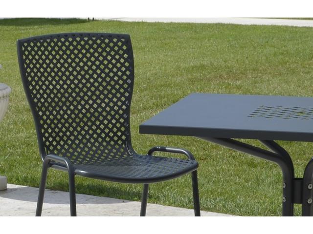 Ażurowe krzesło do restauracji i kawiarni metalowe SONIA